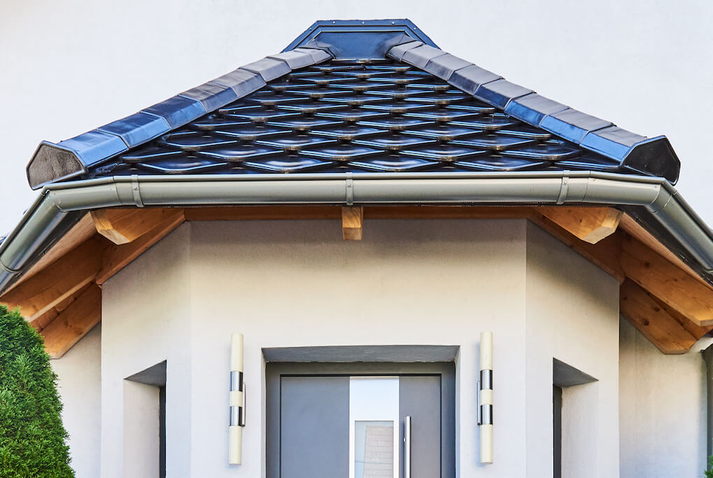 Dachstuhl aus Holz & Dach