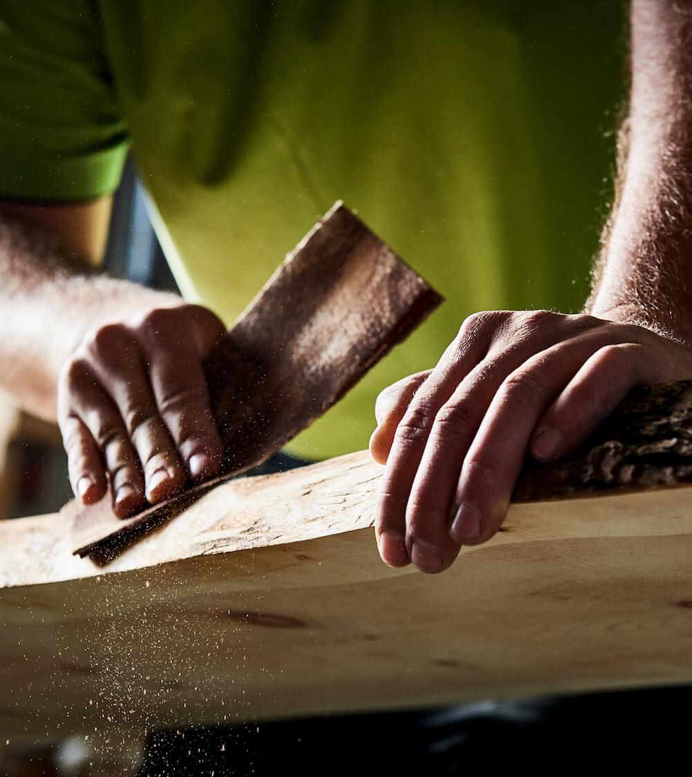 Holzbau Arbeiten in der Werkstatt